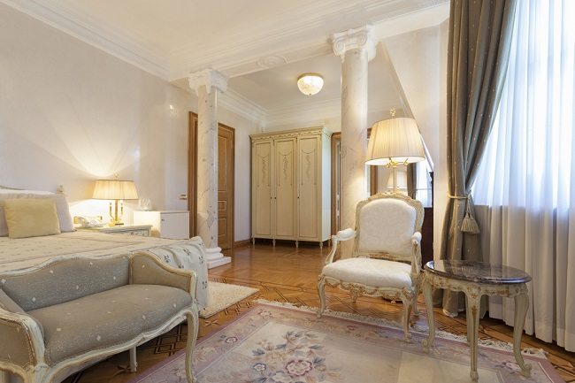french-provincial-bedroom (1)